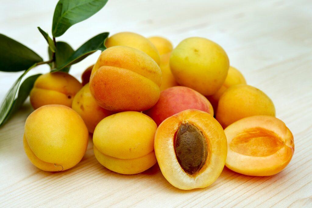 apricots, sugar apricots, fruit